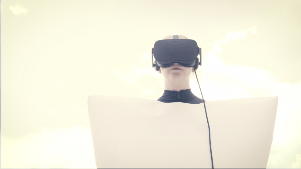 Reality Remix or: VR+PR=RR  – Experiments to bridge the Physical and the Virtual.